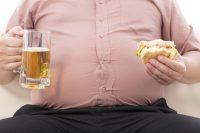 Osoby otyłe nie tylko dłużej chorują na grypę, ale też dłużej zarażają