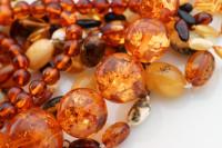 Bursztyn to nie tylko biżuteria! Poznaj właściwości lecznicze bursztynu